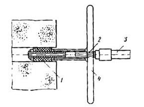 Закрепление штуцера в шпуре